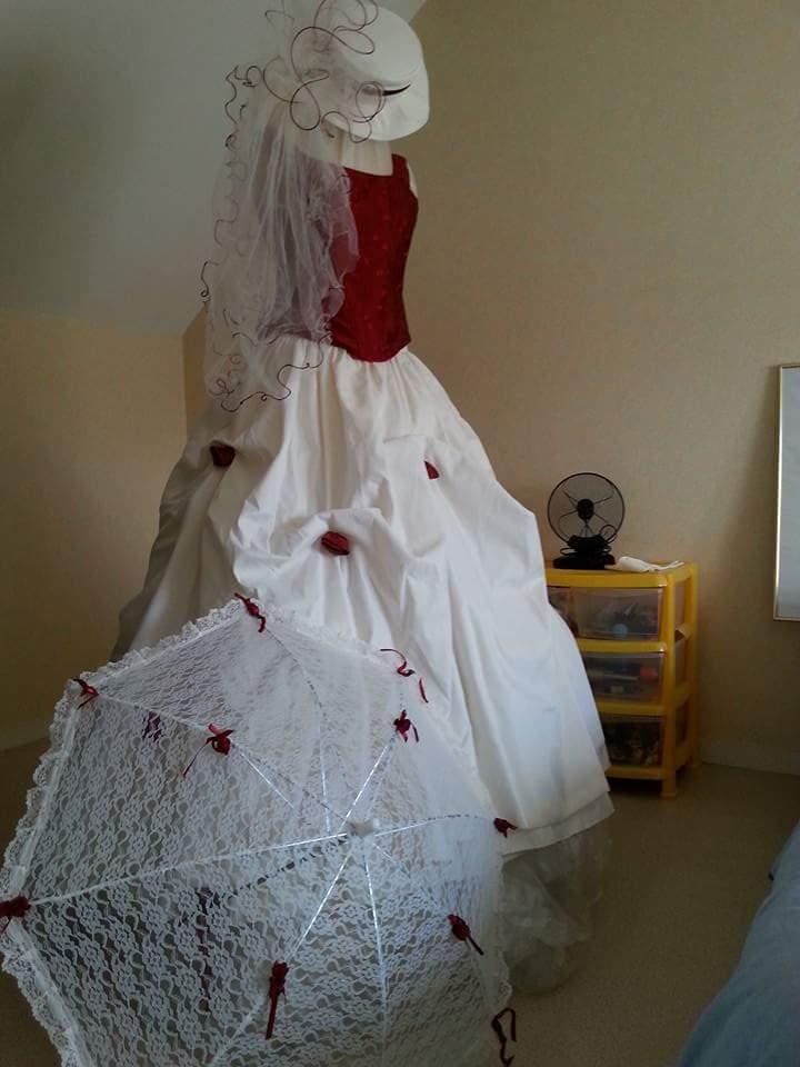 Robe de mariée Bordeaux et écru