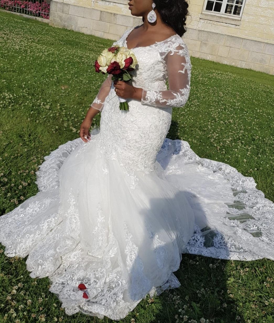 Robe de mariée coupe sirène avec grande traîne