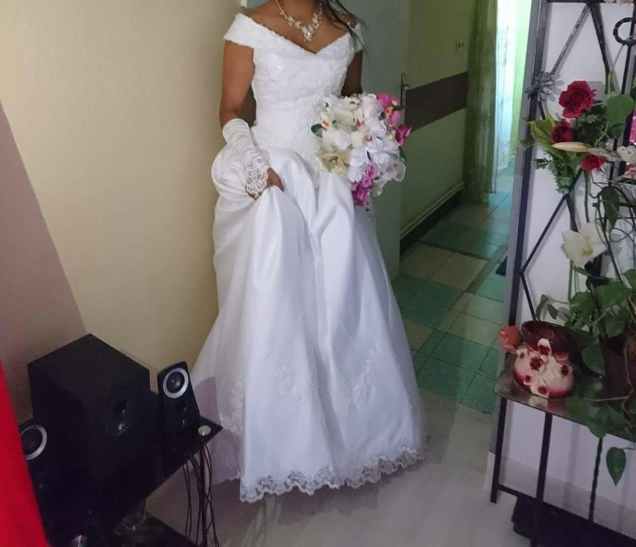 Belle robe col V