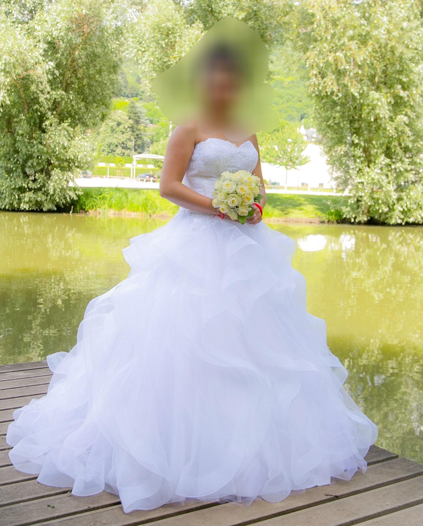 Robe et jupon de mariée