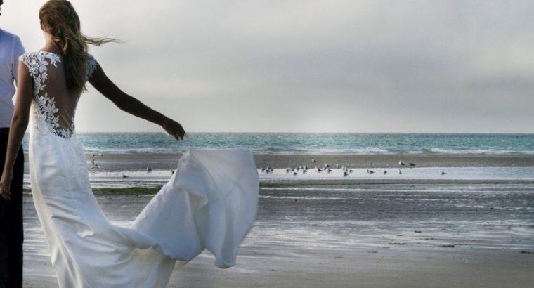 Robe de mariée cintrée, dos dentelle