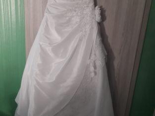 Robe de mariée cintrée, dos dentell…
