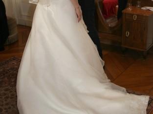Belle robe bustier avec traîne qui s'attache