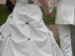 robe de marièe 2 pièces écrue et bordeaux
